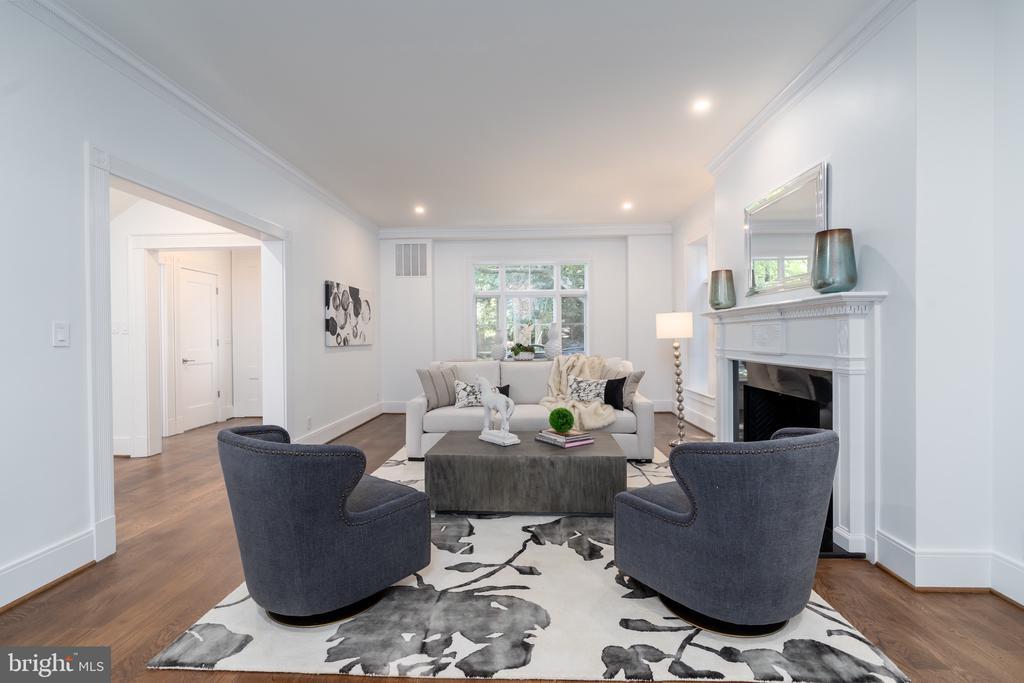 Living Room - 3015 WHITEHAVEN ST NW, WASHINGTON