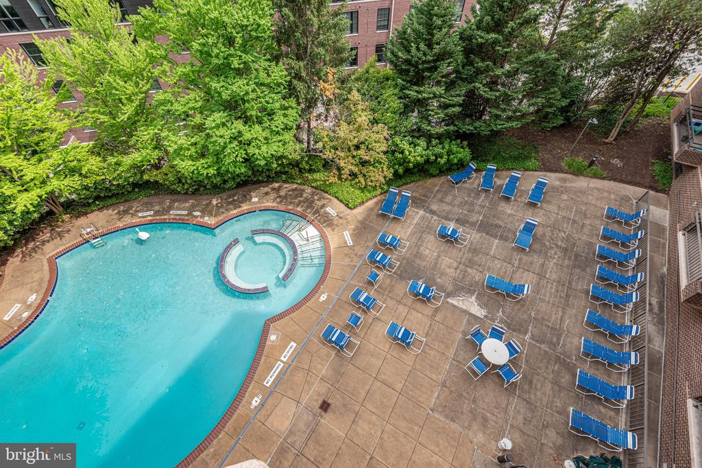 Outdoor pool, included in condo fees - 2111 WISCONSIN AVE NW #501, WASHINGTON
