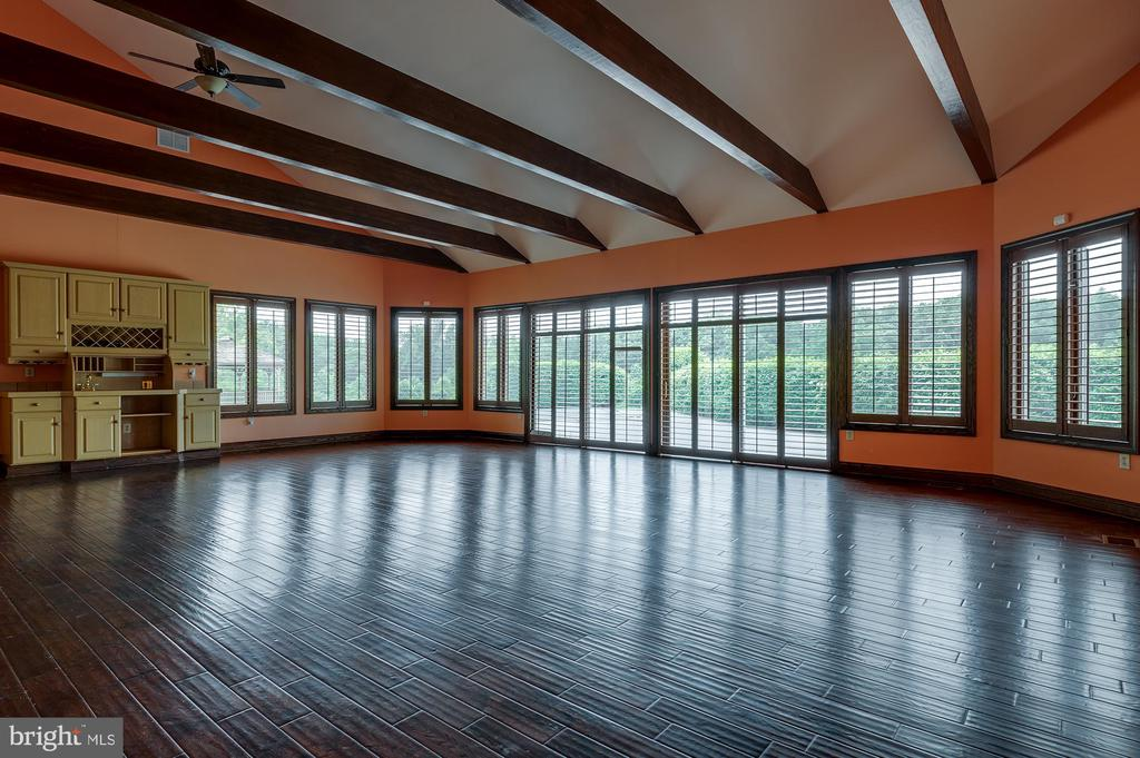 Exquisite Great Room - 8250 OLD COLUMBIA RD, FULTON