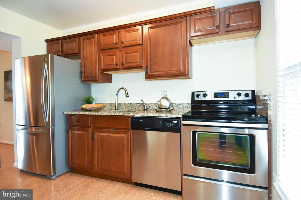 A perfect place for preparing delicious meals! - 6463 FENESTRA CT #50C, BURKE