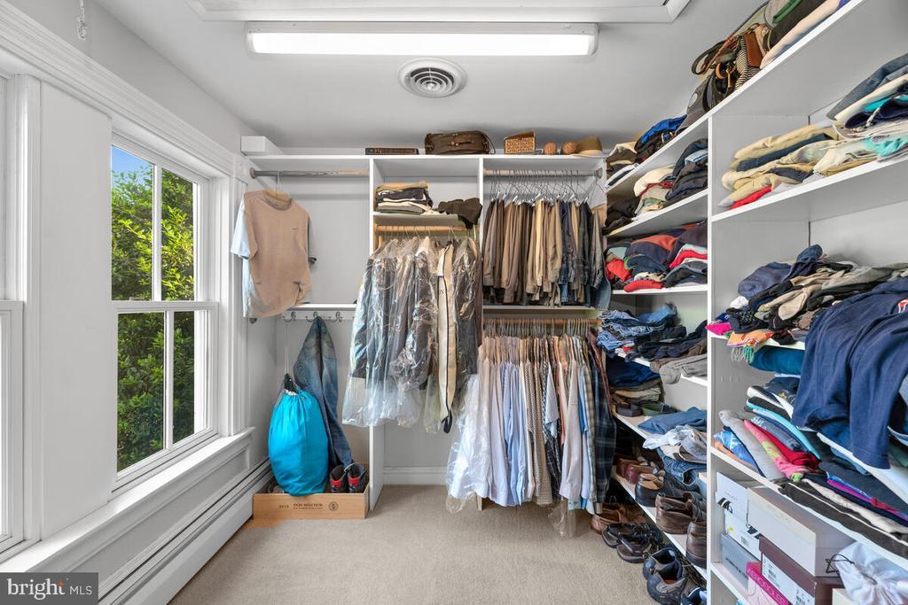 Walk in closet - 12645 OLD FREDERICK RD, SYKESVILLE