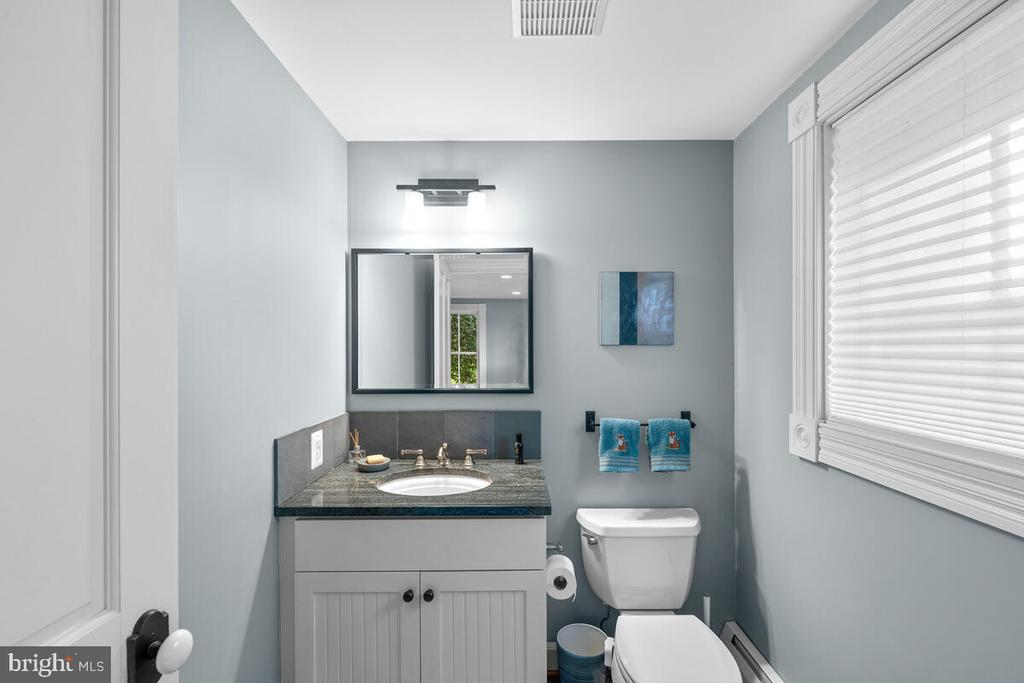 Powder room off pool entrance - 12645 OLD FREDERICK RD, SYKESVILLE