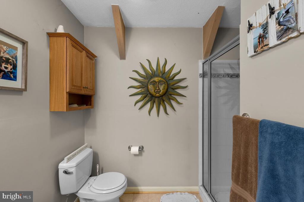 Apartment full bath - 12645 OLD FREDERICK RD, SYKESVILLE