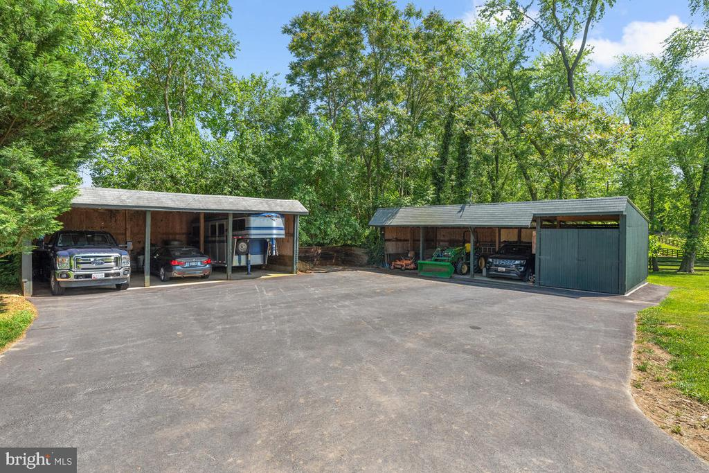 7 bays for cars, trailers, equipment storage - 12645 OLD FREDERICK RD, SYKESVILLE