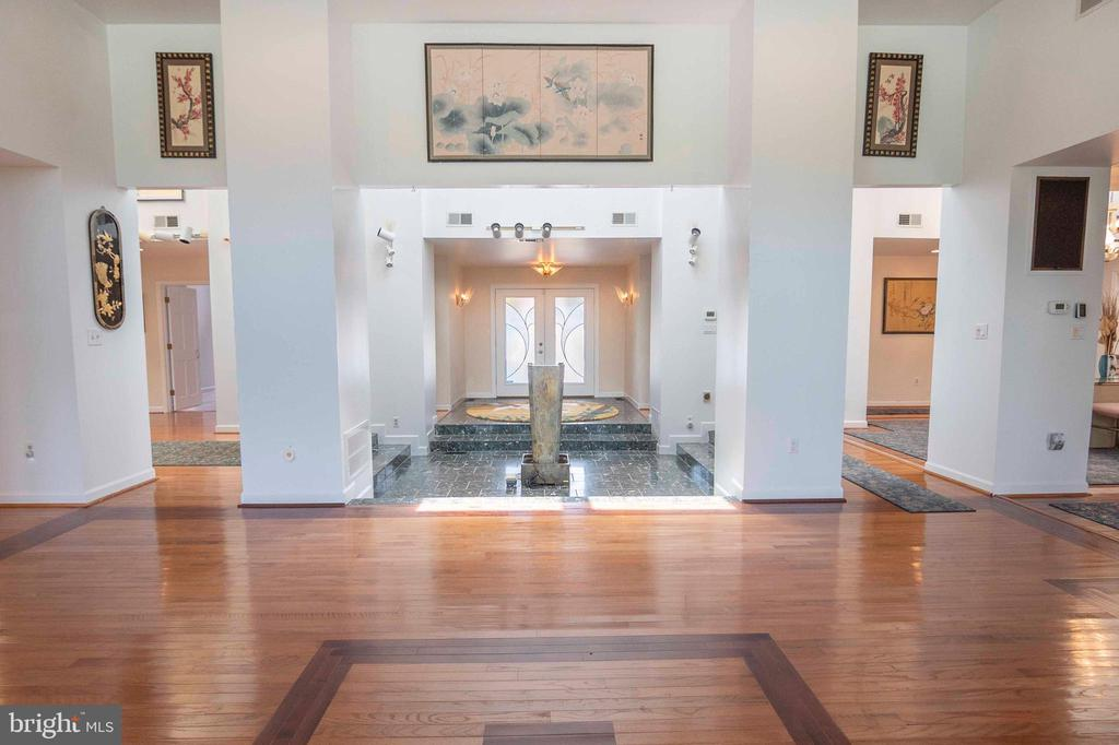 View from the Living Room to the Front Door - 721 BATTLEFIELD BLUFF DR, NEW MARKET