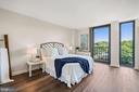 Large bedroom - 4600 S FOUR MILE RUN DR #1007, ARLINGTON