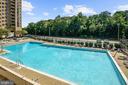 Community pool - 4600 S FOUR MILE RUN DR #1007, ARLINGTON