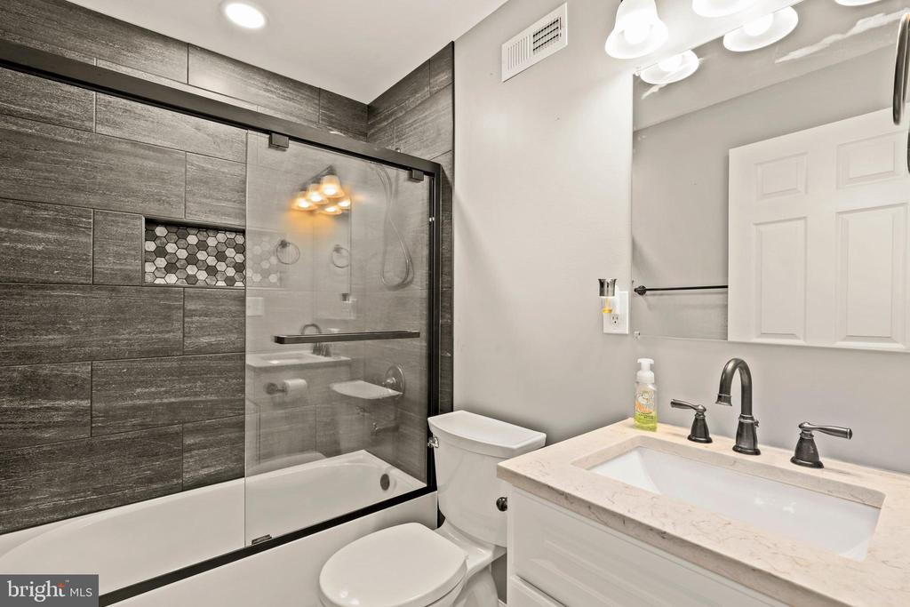FULL Bath 2 on lower level - love that tile! - 23 MEADOW LN, THURMONT