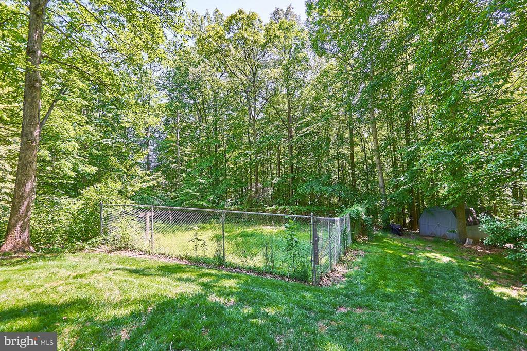 Fenced area for a garden - 10824 HENDERSON RD, FAIRFAX STATION
