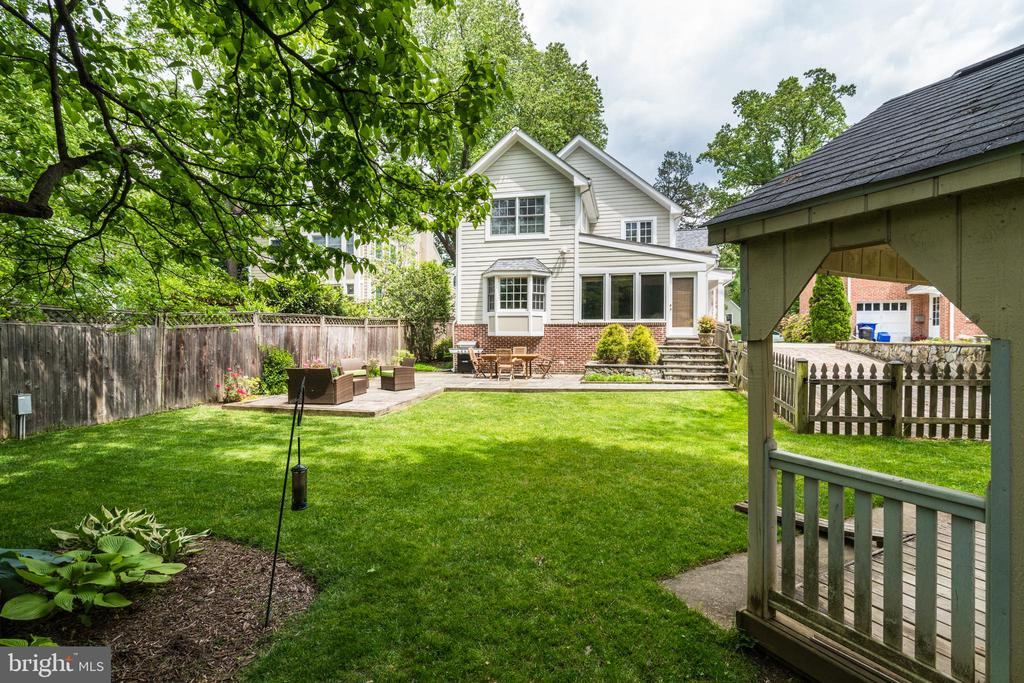 Fully fenced rear yard - 8622 GARFIELD ST, BETHESDA