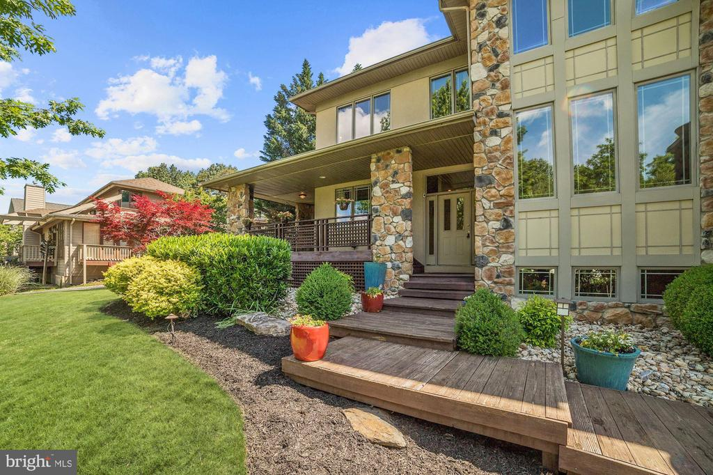 Front Exterior - 9702 WOODFIELD CT, NEW MARKET