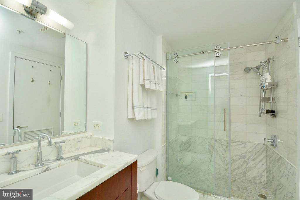 Gasp-Luxury personified! - 2001 15TH ST N #1203, ARLINGTON