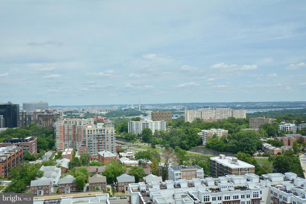 Views from the Rooftop - 2001 15TH ST N #1203, ARLINGTON