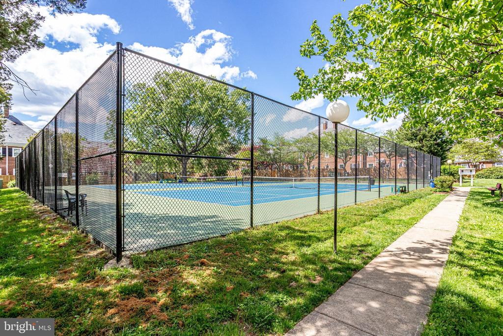 Tennis Courts - 3469 S STAFFORD ST #B, ARLINGTON