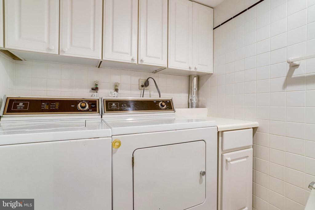 Washer & Dryer (Lower Level) - 3469 S STAFFORD ST #B, ARLINGTON