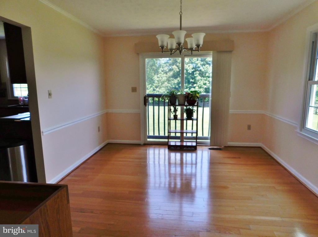 Hard wood flooring - 102 CHRISTOPHER CT, CHARLES TOWN