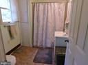 Main Level Full Bath - 420 RUSSELL RD, BERRYVILLE