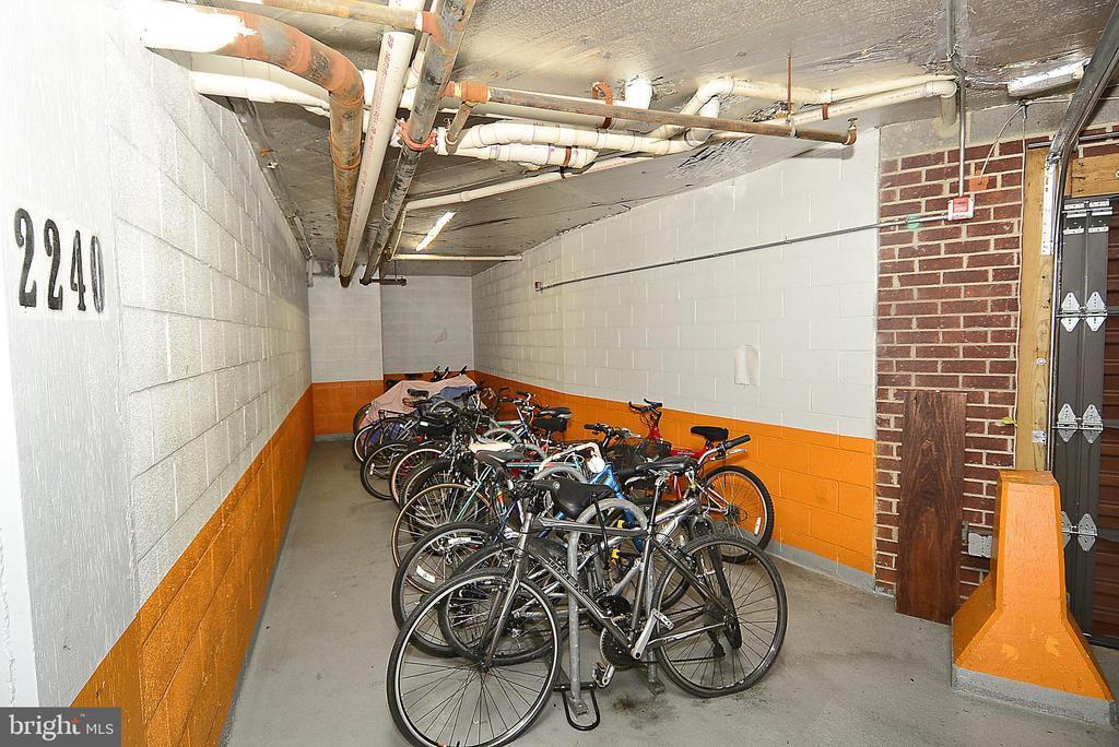 Bike Storage - 1276 N WAYNE ST #1123, ARLINGTON