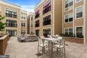 Residents' Terrace with Firepit and Grill - 989 S BUCHANAN ST #421, ARLINGTON