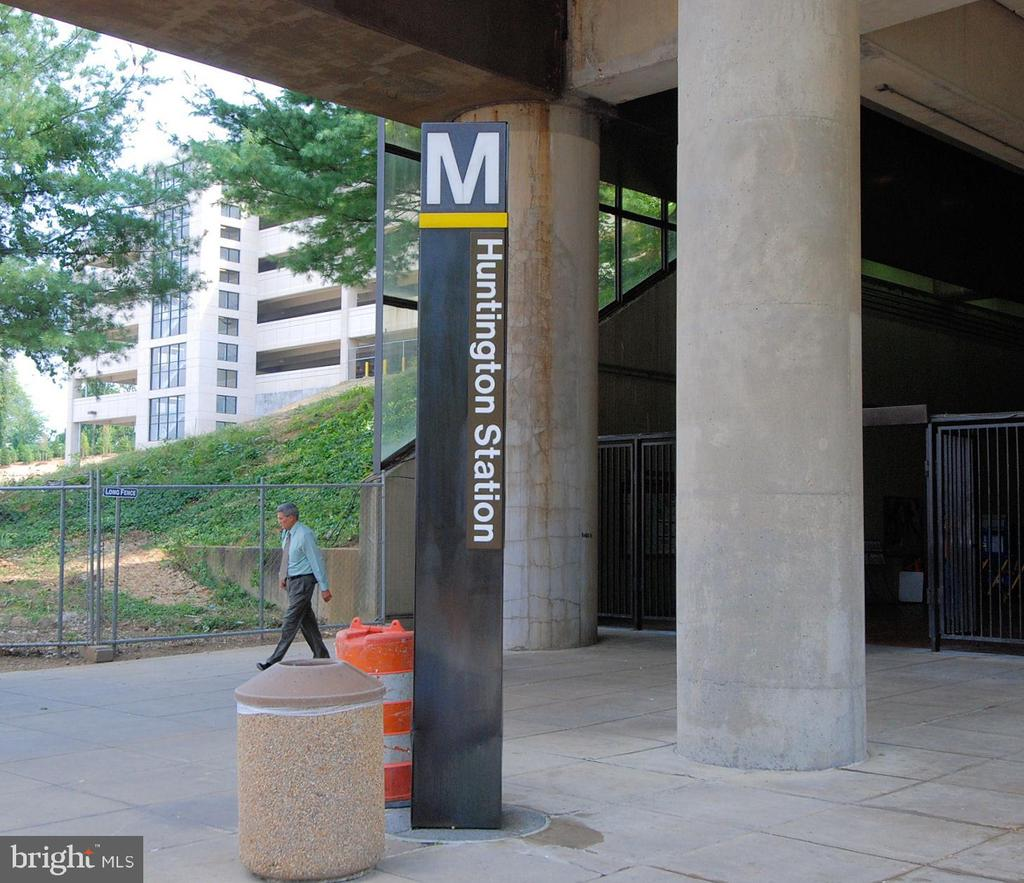 Huntington Metro - 1605 BALTIMORE RD, ALEXANDRIA
