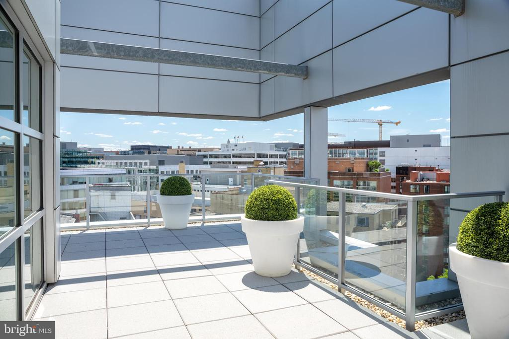 Distant views overlooking Foggy Bottom - 1177 22ND ST NW #9G, WASHINGTON