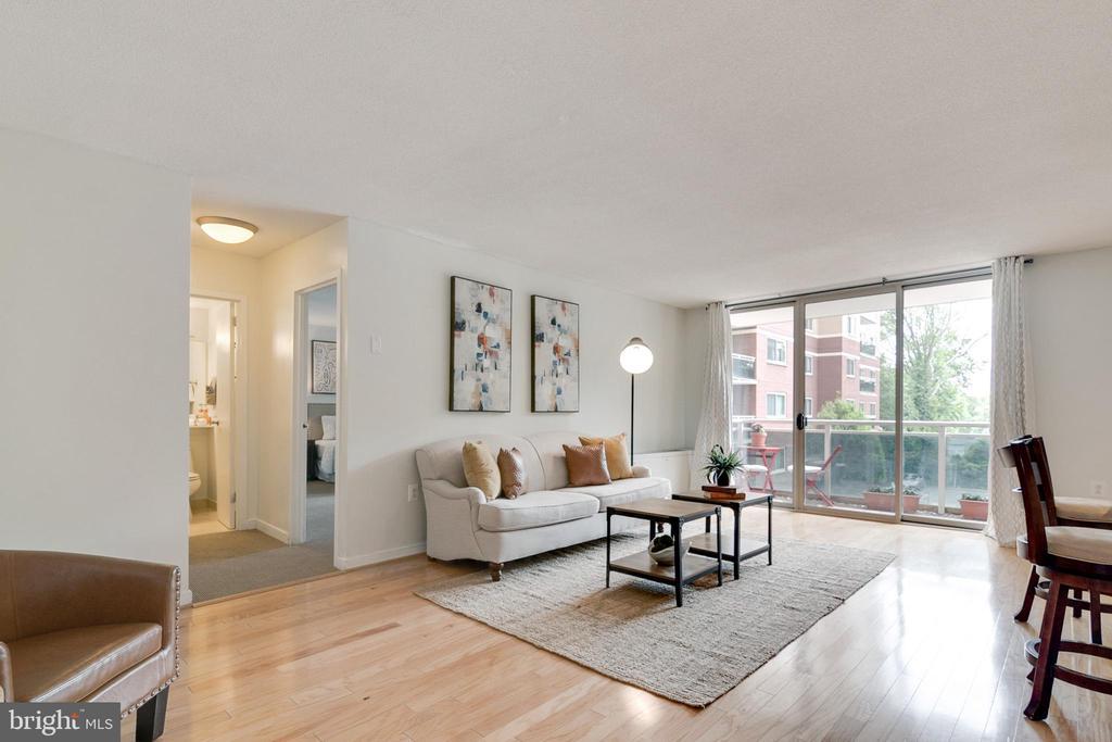 Living Room - 7333 NEW HAMPSHIRE AVE #317, TAKOMA PARK