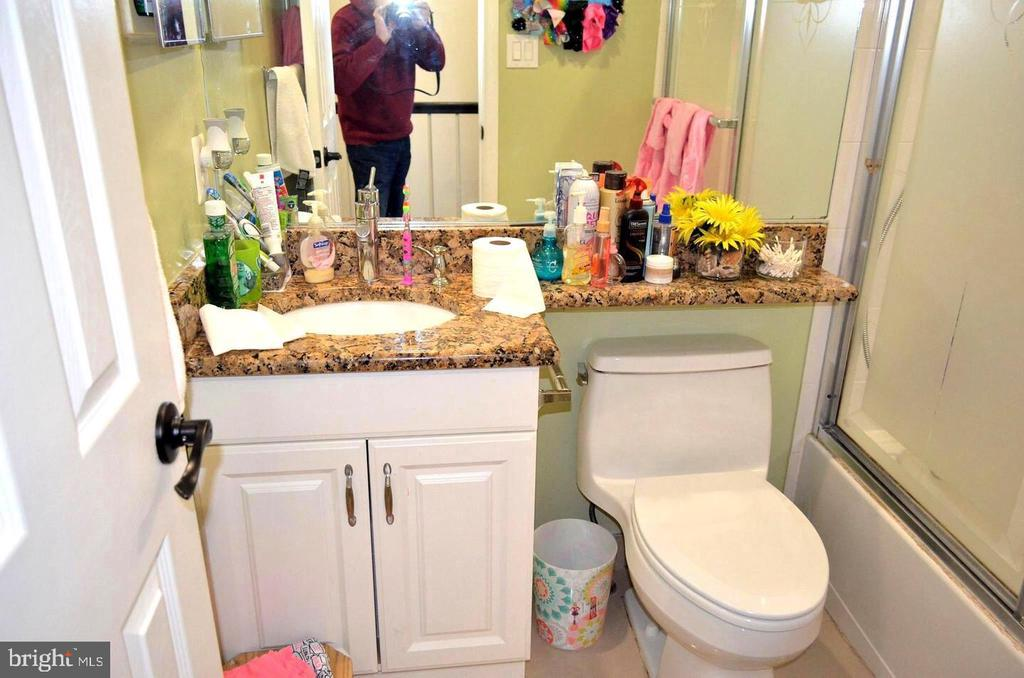 Shareable Full bath for the other Rooms - 3636 MCDOWELL CT, DUMFRIES
