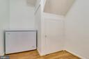 Additional storage under stairs and in laundry roo - 9312 WINBOURNE RD, BURKE