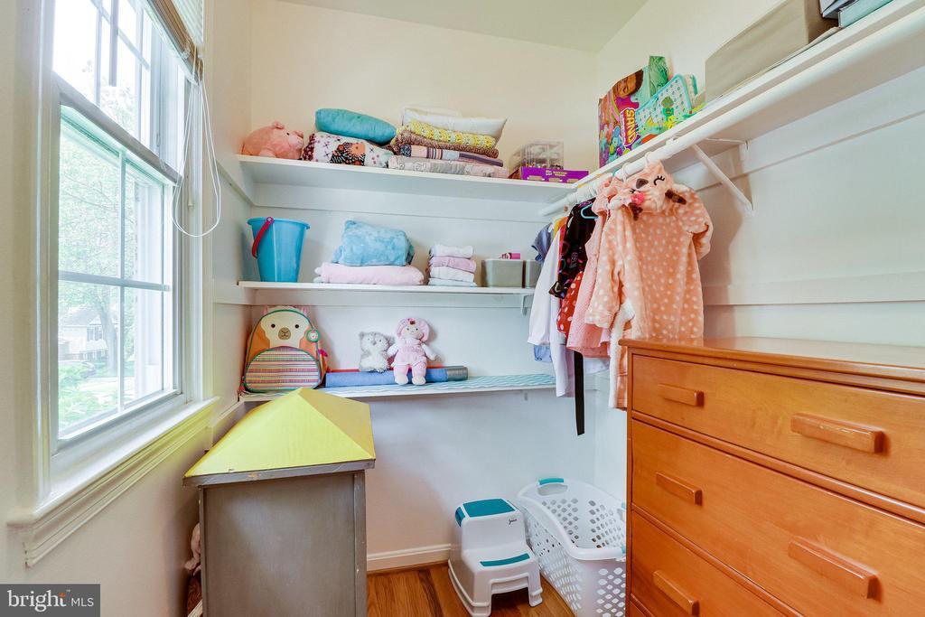 Walk-in closet in 2nd bedroom - 9312 WINBOURNE RD, BURKE
