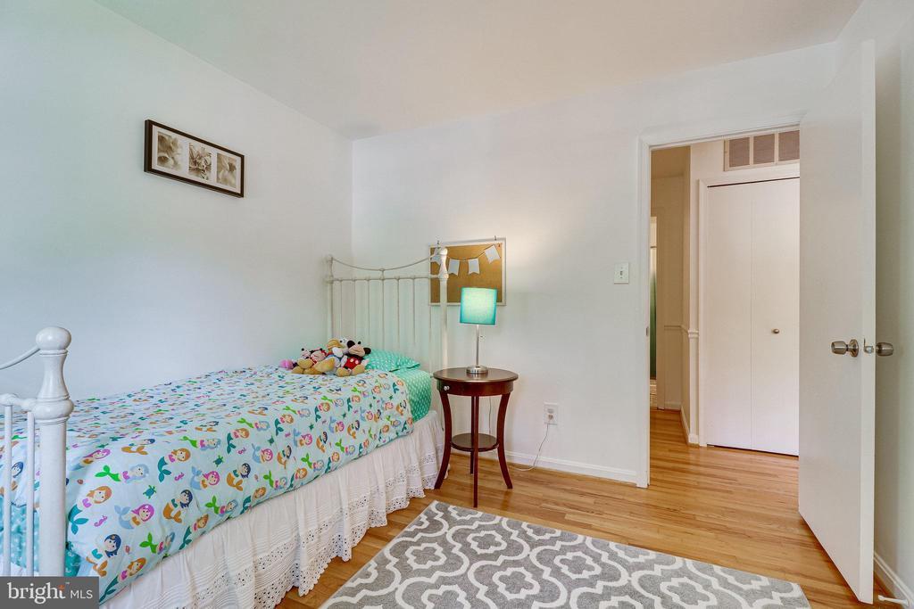 2nd bedroom - 9312 WINBOURNE RD, BURKE