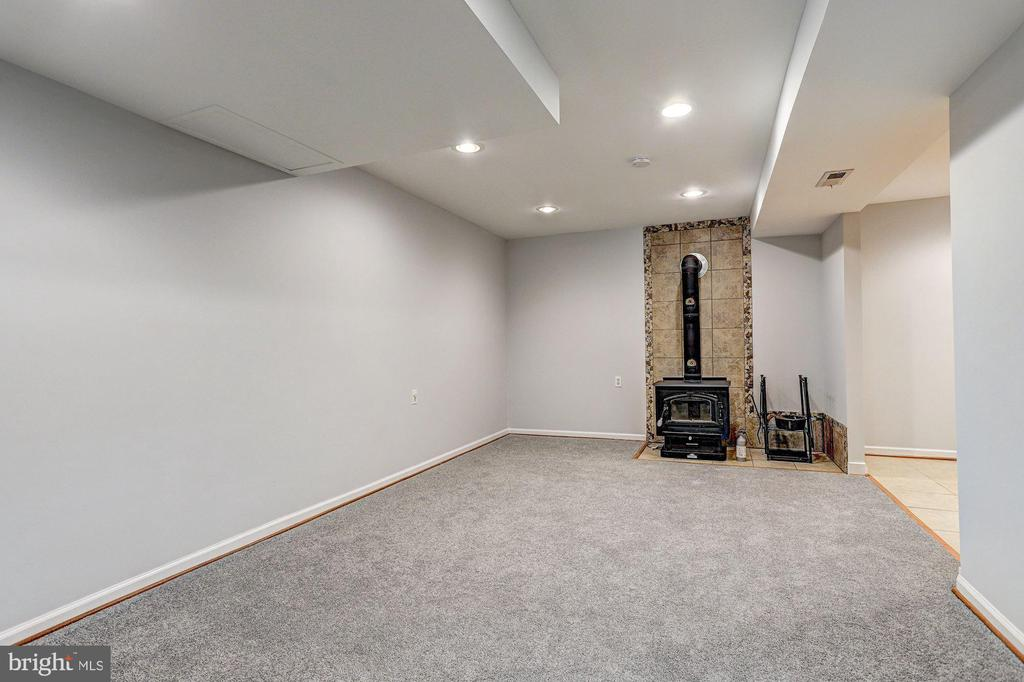 Family Room - 640 W WATERSVILLE RD, MOUNT AIRY