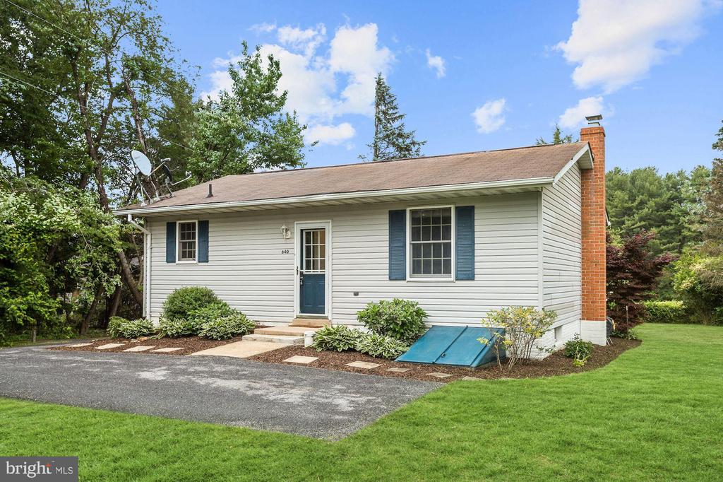 Welcome Home! - 640 W WATERSVILLE RD, MOUNT AIRY