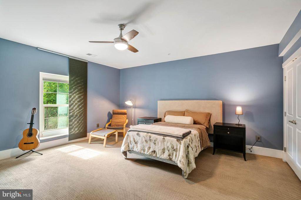 The  fourth bedroom- this is the lower level - 17037 SILVER ARROW DR, DUMFRIES