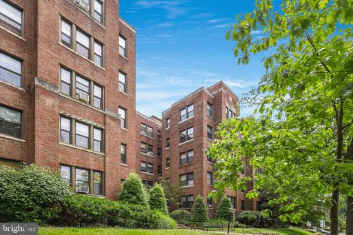 4007 CONNECTICUT AVE NW #207