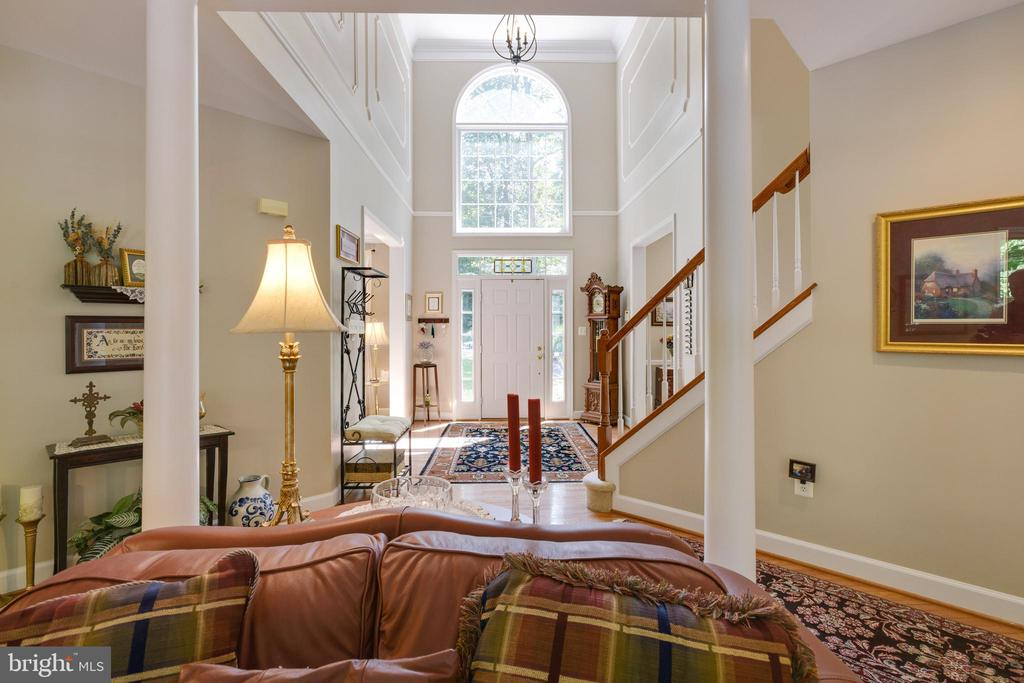 Great Room with Stately Pillars - 6191 TREYWOOD LN, MANASSAS