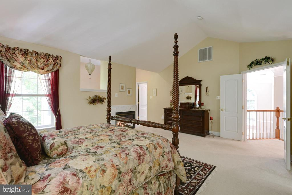 Primary Bedroom - 6191 TREYWOOD LN, MANASSAS