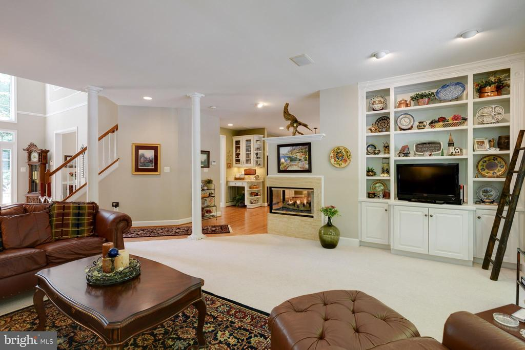 Family room/Great Room - 6191 TREYWOOD LN, MANASSAS