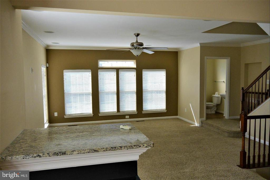 Open concept living space - 38 HUNTING CREEK LN, STAFFORD