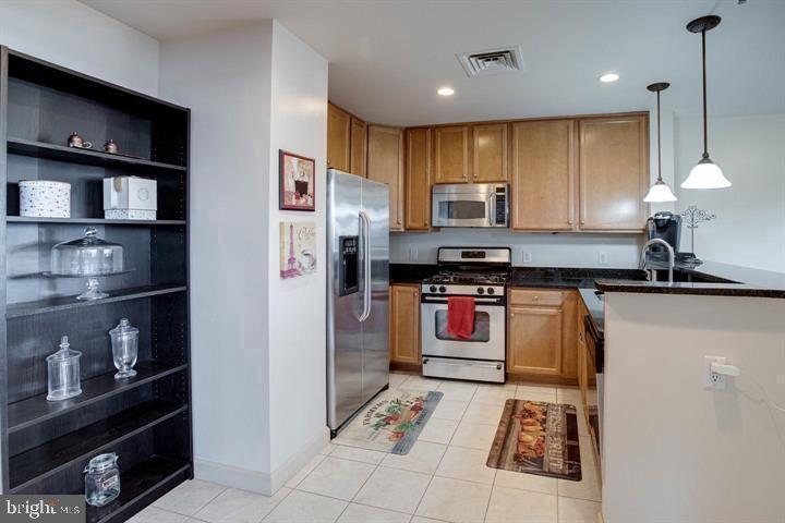 Kitchen - 1830 FOUNTAIN DR #307, RESTON