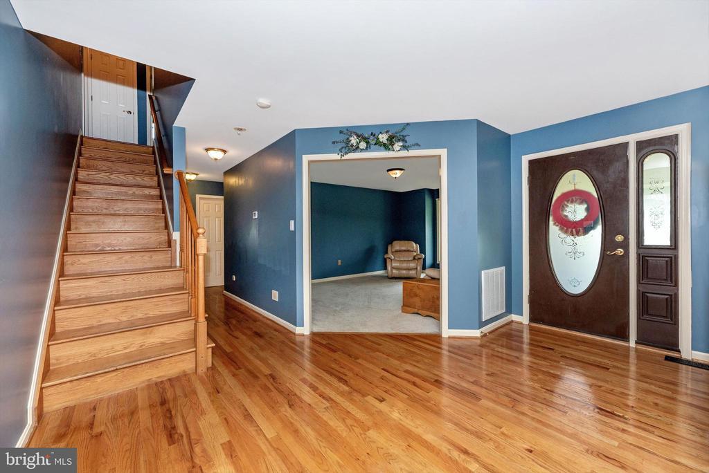 Foyer - 7319 EYLERS VALLEY FLINT RD, THURMONT