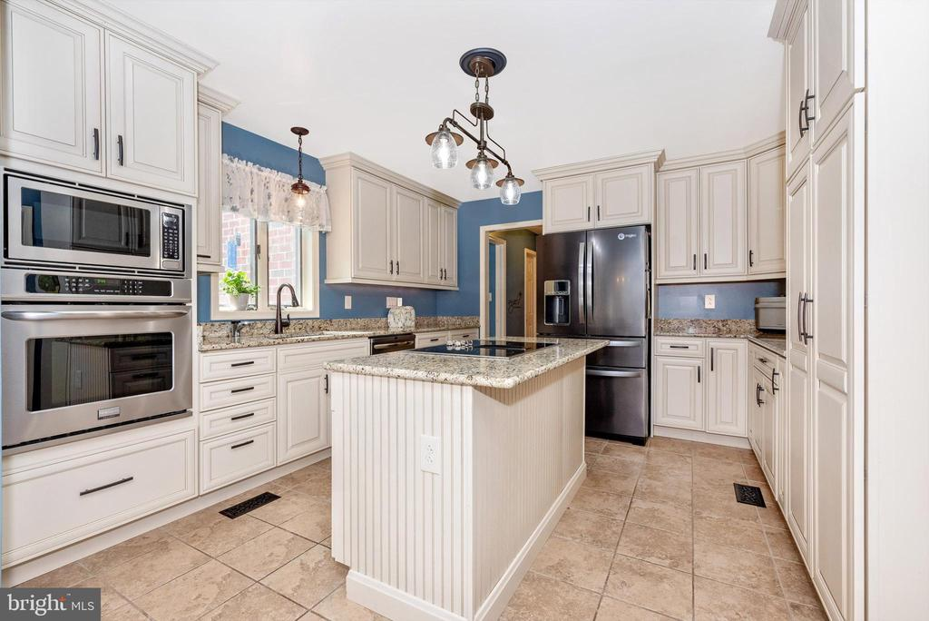 Beautifulwee equipped Kitchen - 7319 EYLERS VALLEY FLINT RD, THURMONT