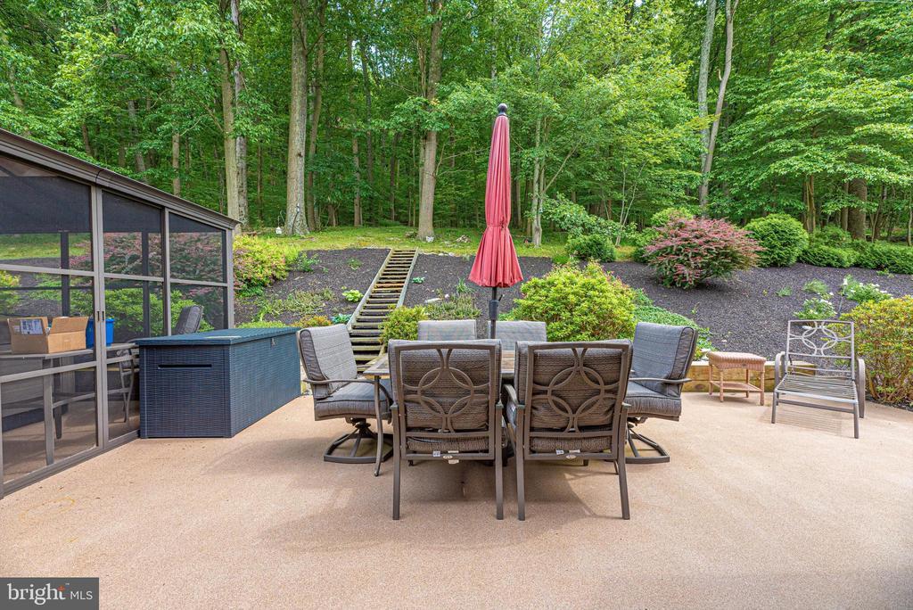 Landscaped patio - 7319 EYLERS VALLEY FLINT RD, THURMONT