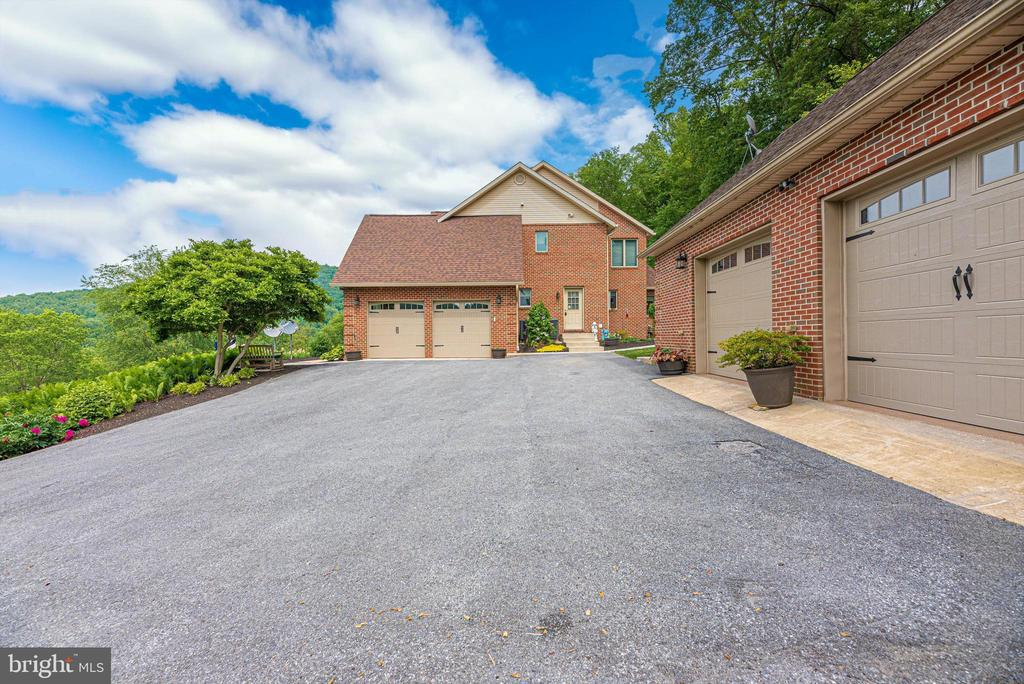 2 attached, 2 detached - 7319 EYLERS VALLEY FLINT RD, THURMONT