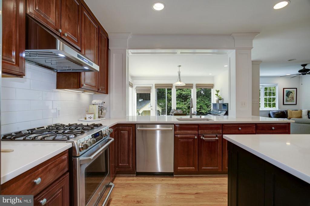 Kitchen opens to both informal LR & DR - 8622 GARFIELD ST, BETHESDA