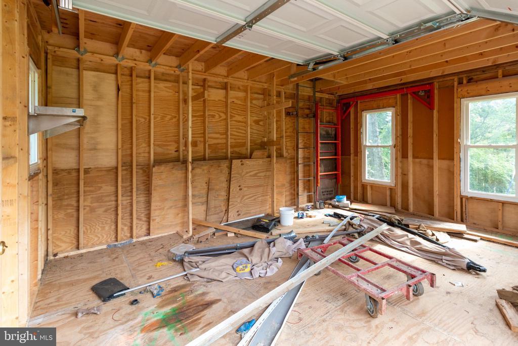 Garage - 15605 KELBAUGH RD, THURMONT
