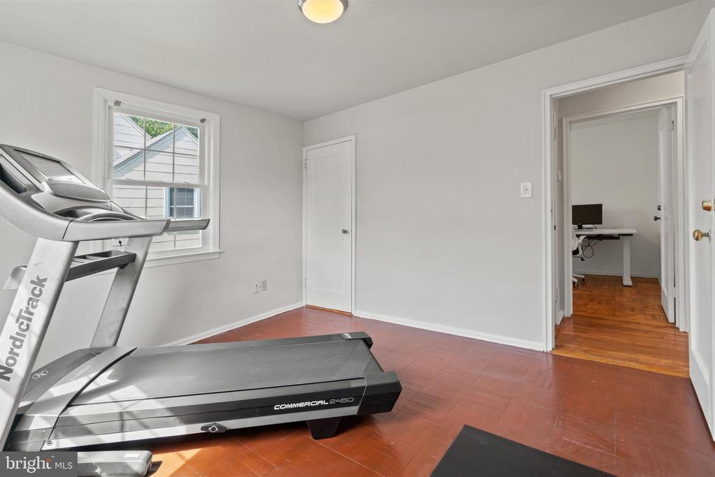 Space for everyone and everything!! - 2915 MONROE PL, FALLS CHURCH