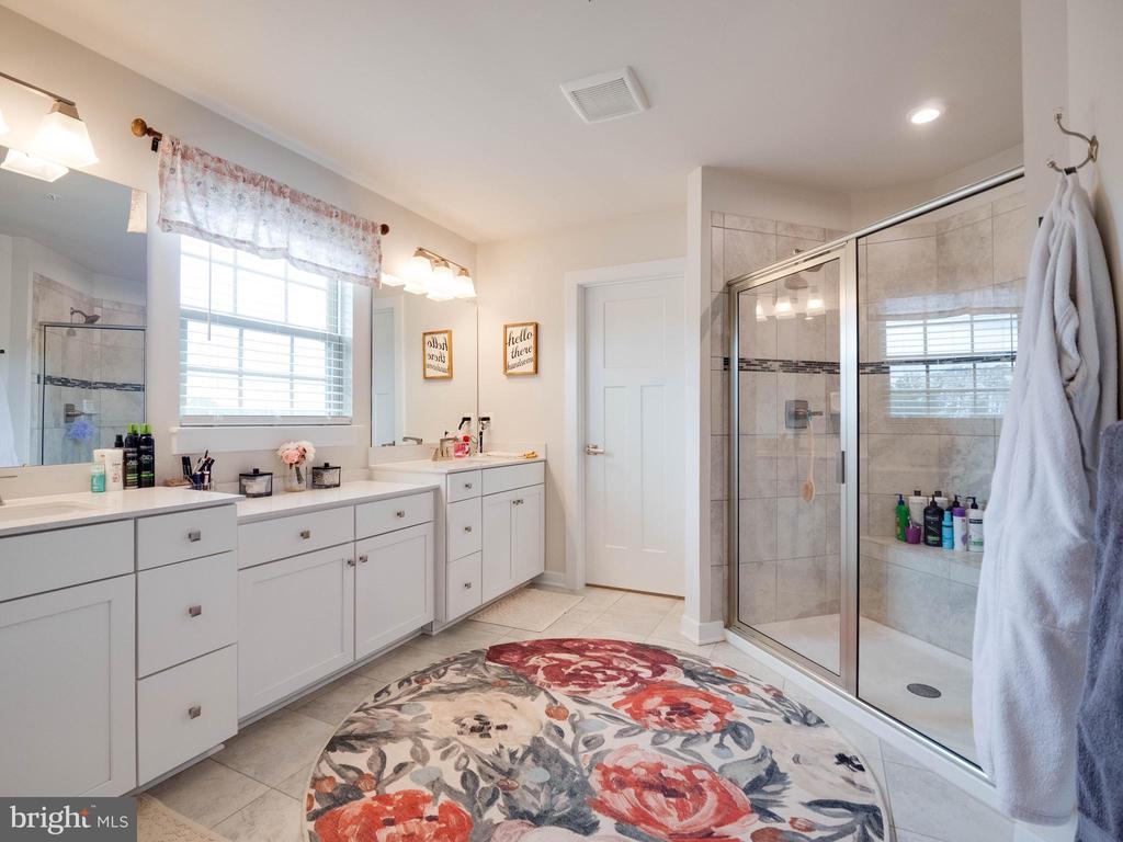 Primary Bathroom - 6877 WOODRIDGE RD, NEW MARKET