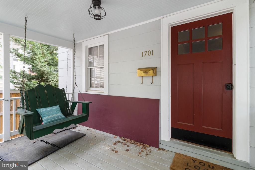 Welcoming porch with swing - 1701 N RANDOLPH ST, ARLINGTON
