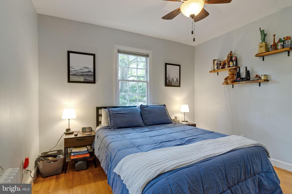 Main level bedroom - 1701 N RANDOLPH ST, ARLINGTON