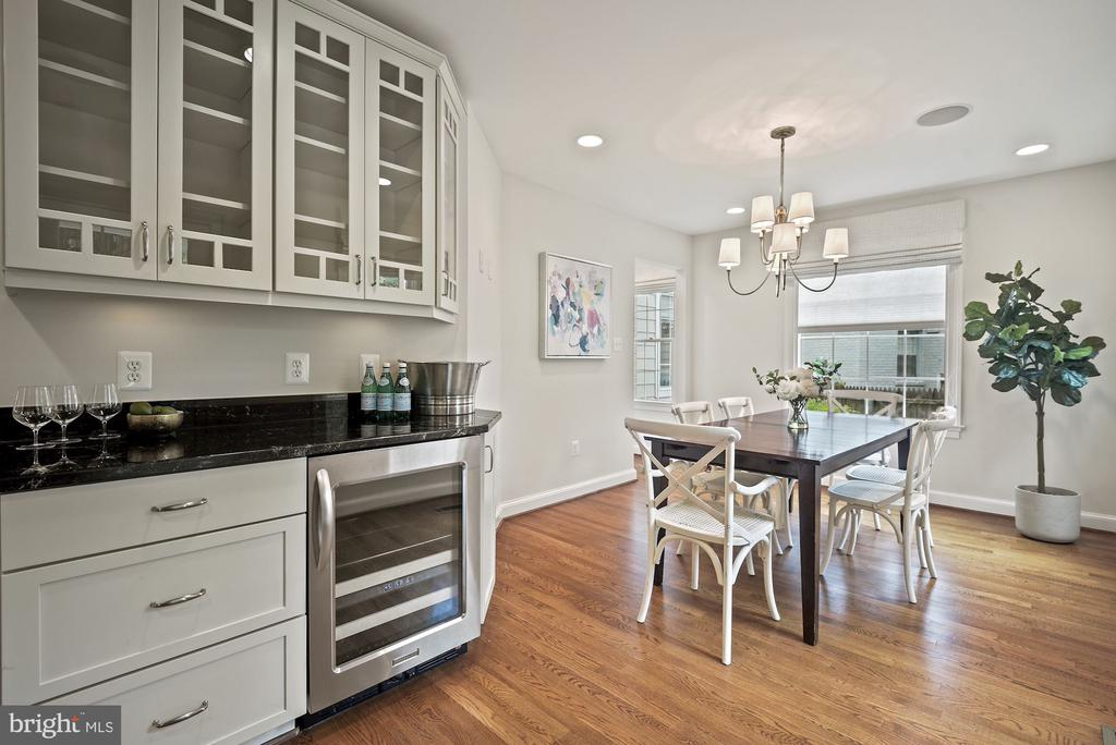 Expanded kitchen with spacious dining space - 7907 GLENBROOK RD, BETHESDA